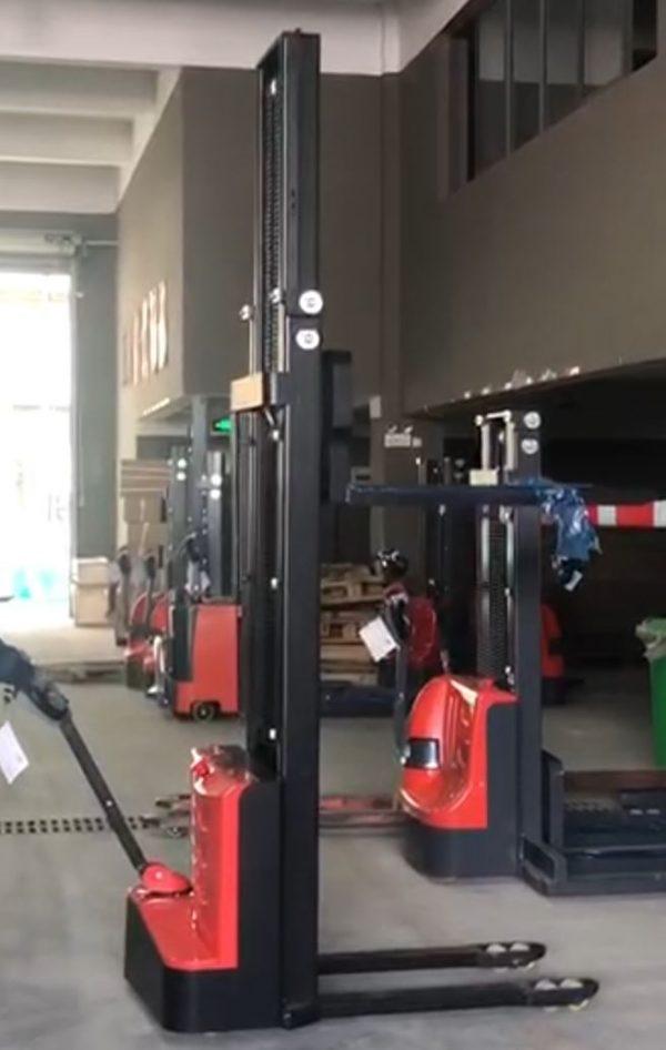 Gerbeur-électrique-350cm-1500kg-prix